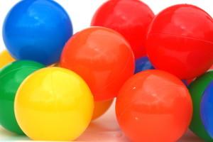 Bild von bunten und sauberen Bällen für ein Bällebad